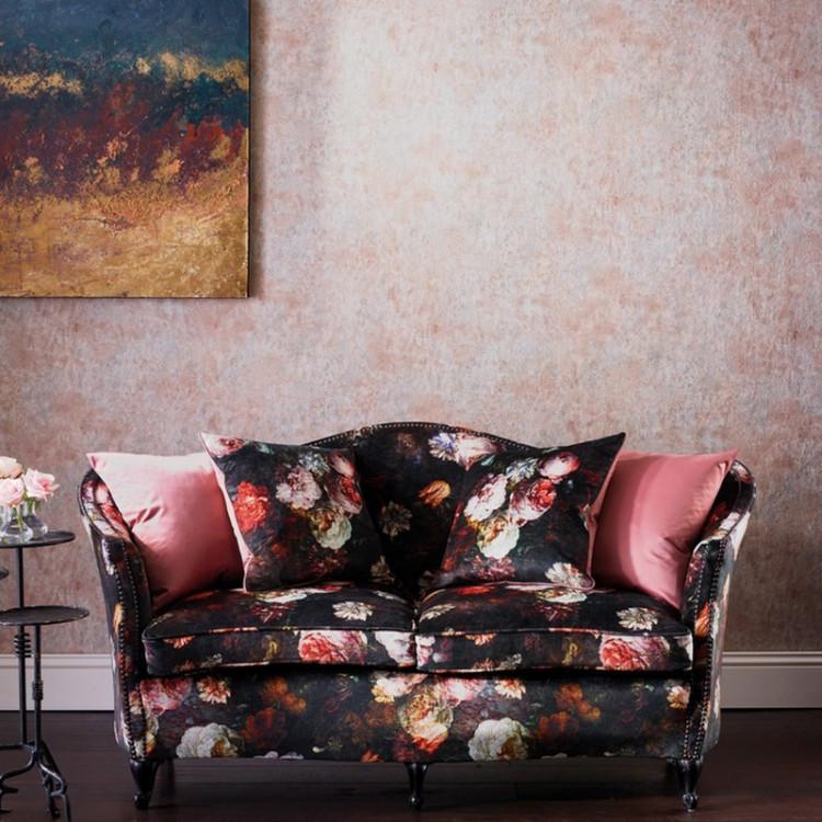 Tessuti a fiori e fantasia per divani e poltrone